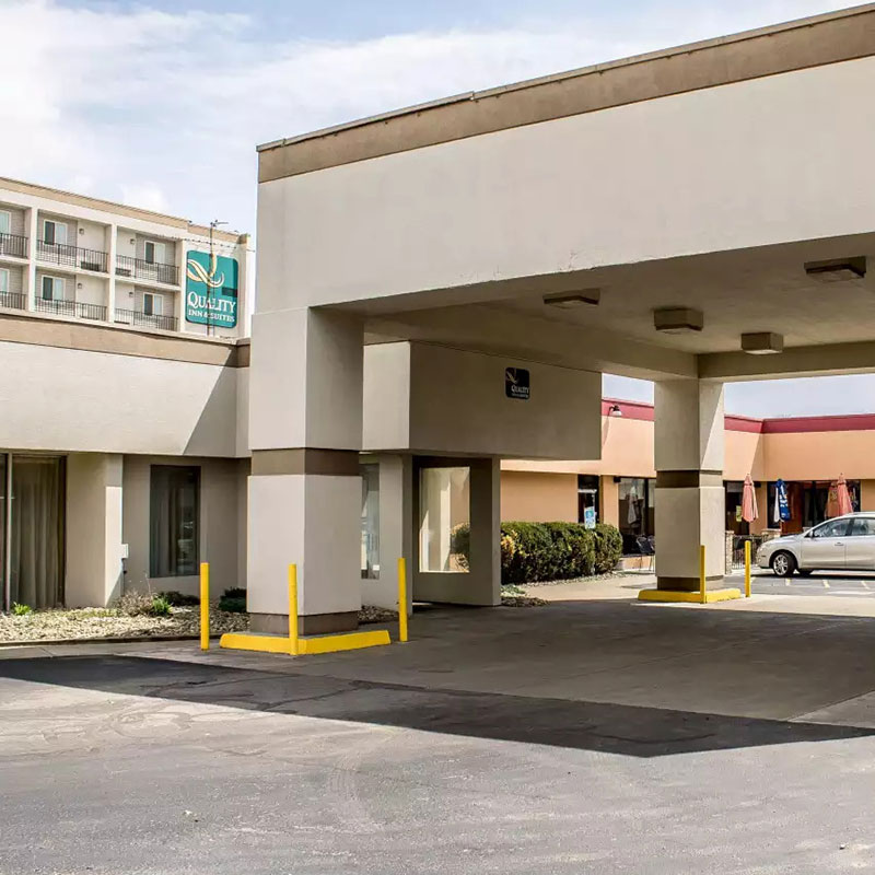 Quality Inn & Suites Youngstown OH